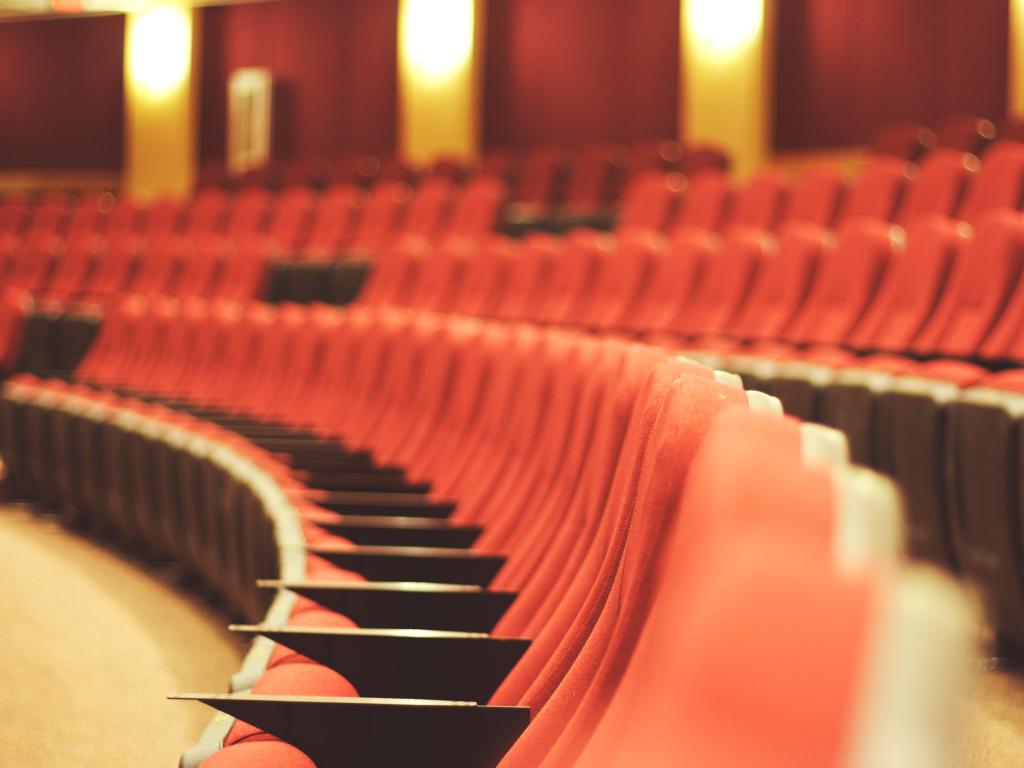 Театральный Петербург   Квесты Ubego